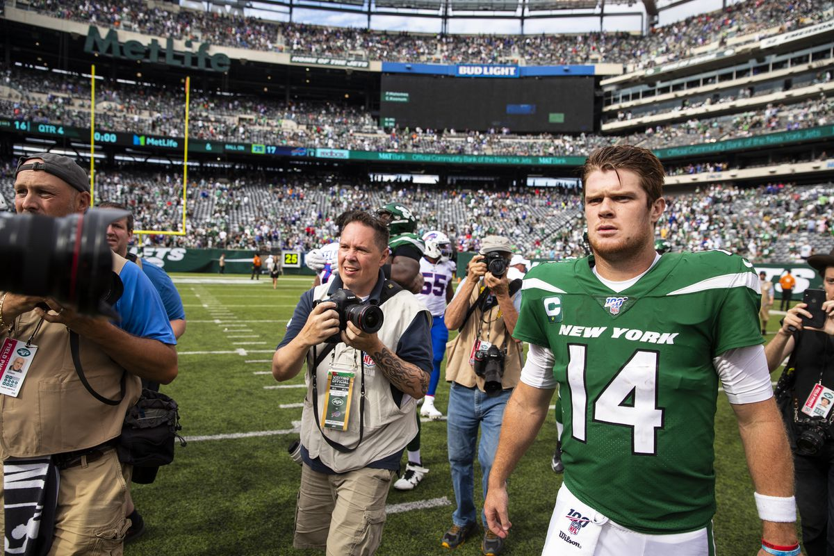 Sam Darnold of the New York Jets walks to center field after the game against the Buffalo Bills at MetLife Stadium on September 8, 2019 in East Rutherford, New Jersey.