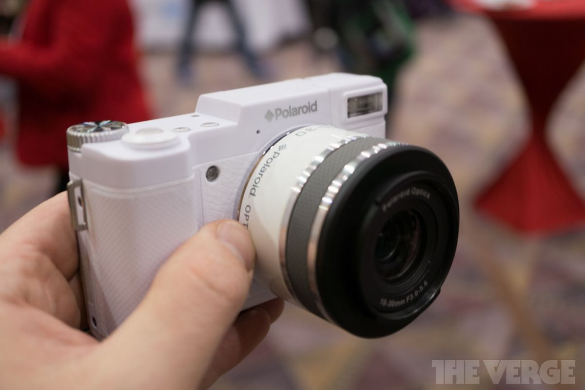 2bbcc719ab2 Polaroid s interchangeable lens camera is awful (hands-on) - The Verge