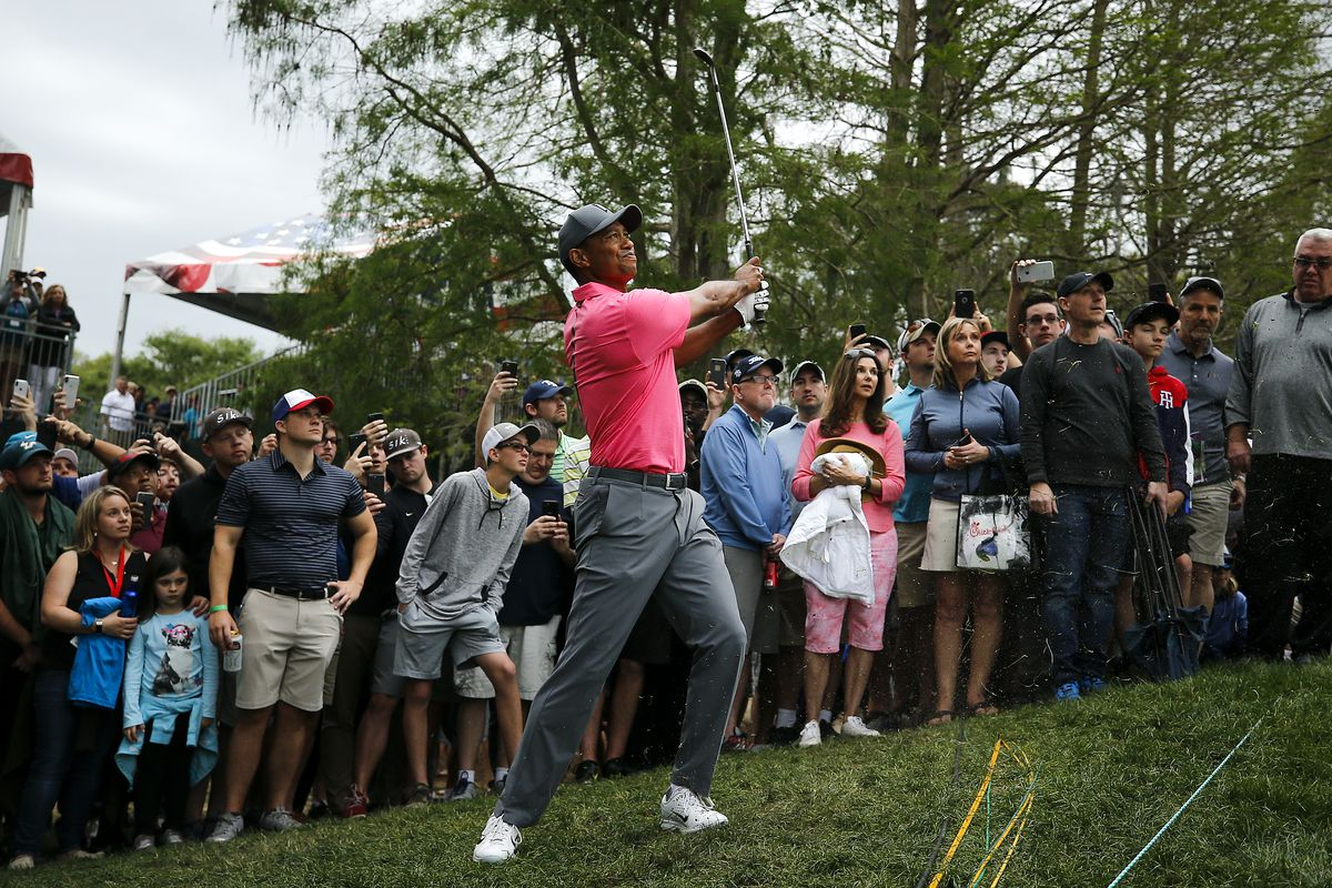 Woods two behind leader Casey during Valspar final round
