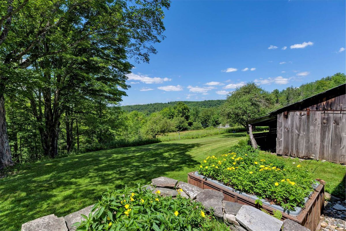 Bucolic 1790 Farm On 20 Acres Asks 349k Curbed