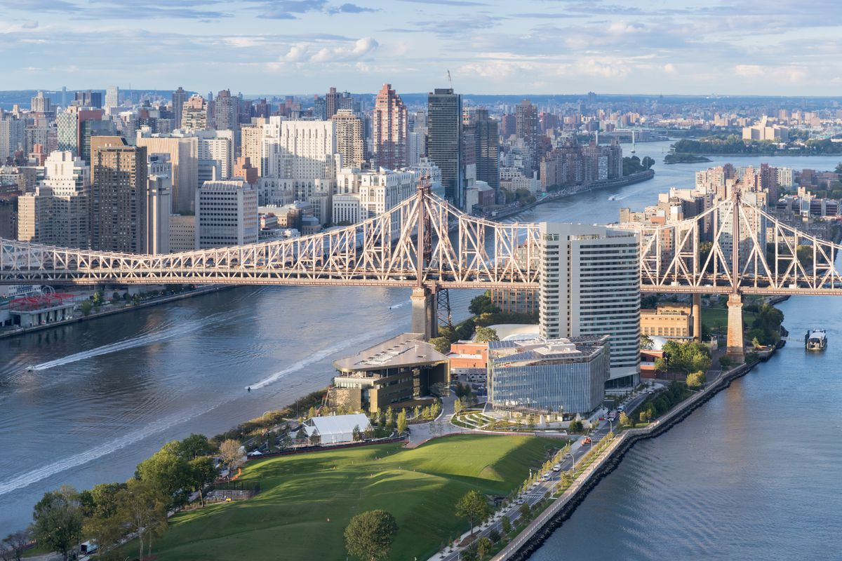 cornell tech s nyc campus on roosevelt island architecture review
