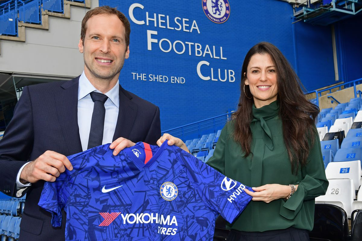 Petr Cech Signs for Chelsea