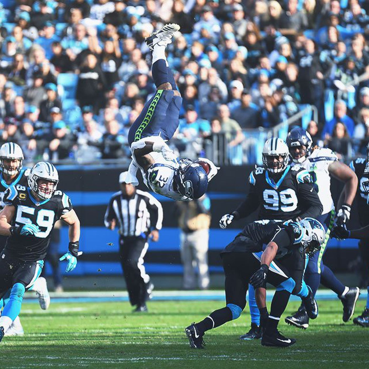 online store 2e149 63a68 Scoring Chris Carson's ludicrous flip over the Panthers ...