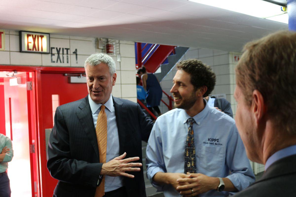 Mayor Bill de Blasio with KIPP co-founder David Levin at KIPP Infinity Middle School.