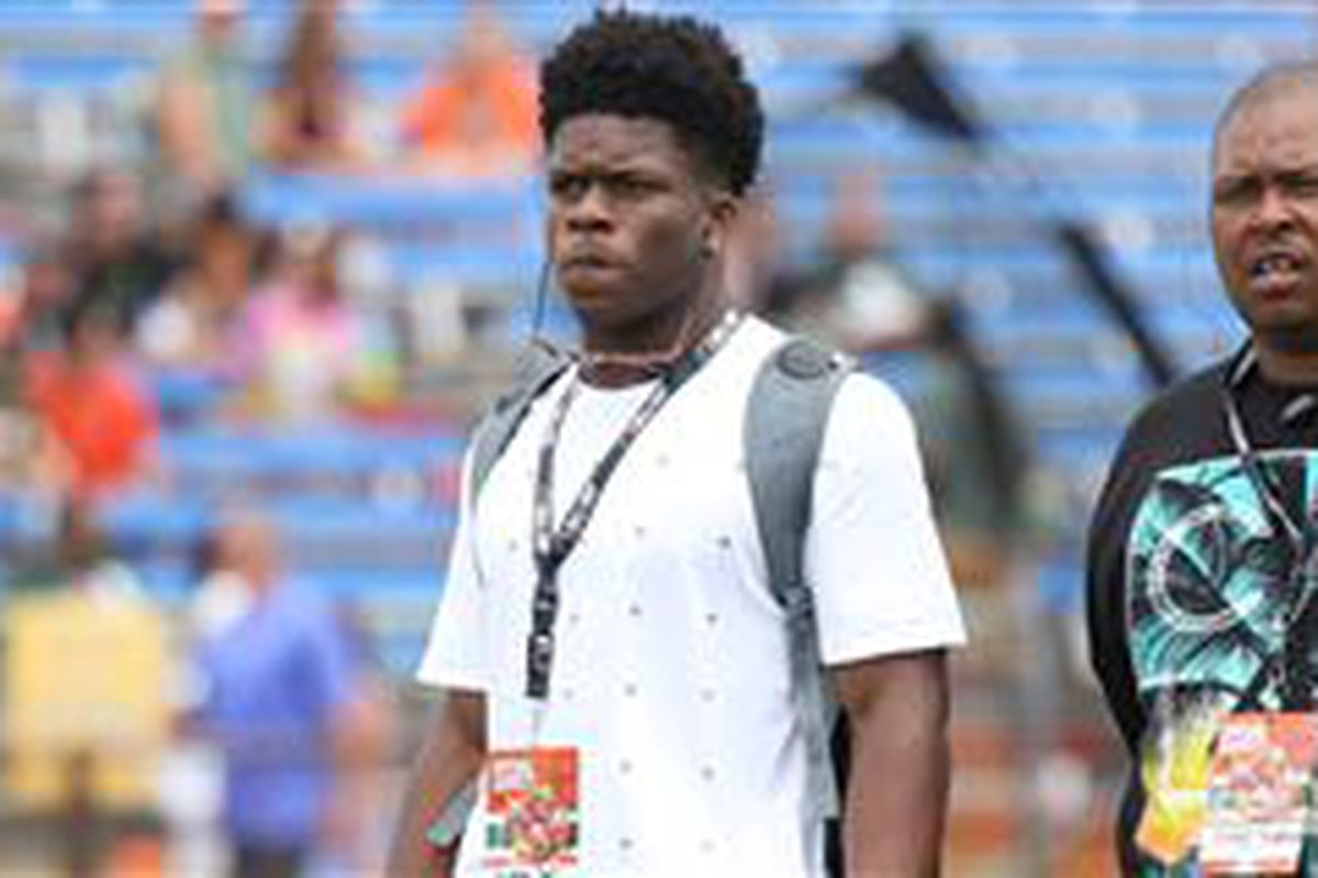 Could Miami be making a move for 4-star RB Stephen Carr, a USC soft commit? Find out below.