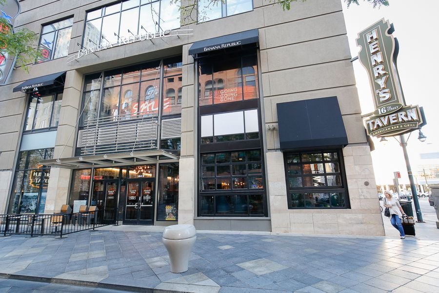Henry S Tavern Opens At The Pavilions Eater Denver