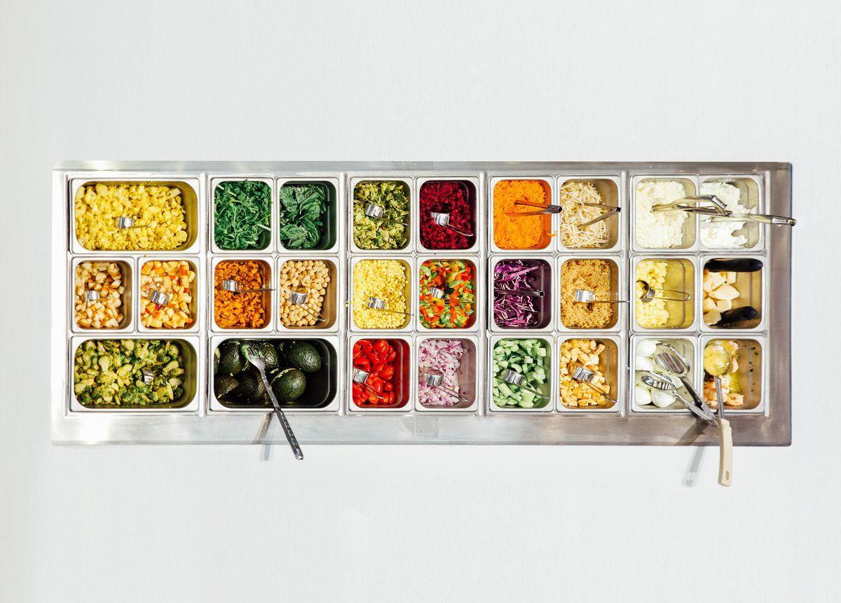 sweetgreen's salad bar