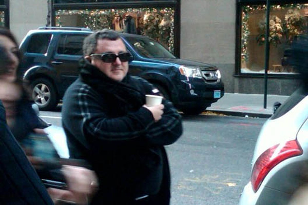 """Alber in midtown! Image via <a href=""""http://fashionista.com/2010/11/caption-this-alber-sings-for-his-supper/"""">Fashionista</a>"""