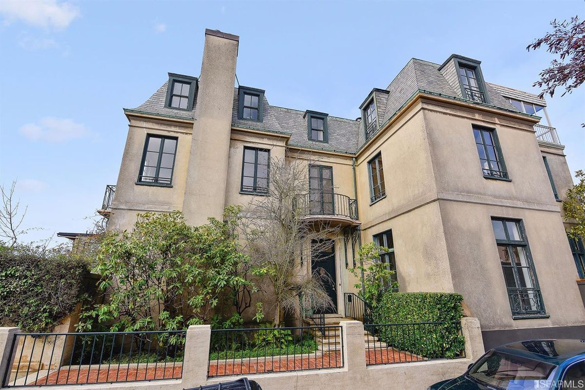 Exterior of gorgeous, massive Pacific Heights home.