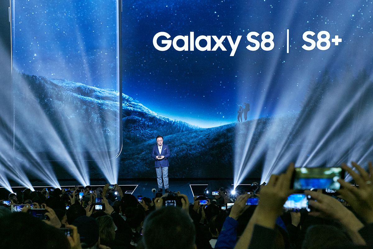 Samsung Became The Heir Apparent To The Mobile Tech Throne