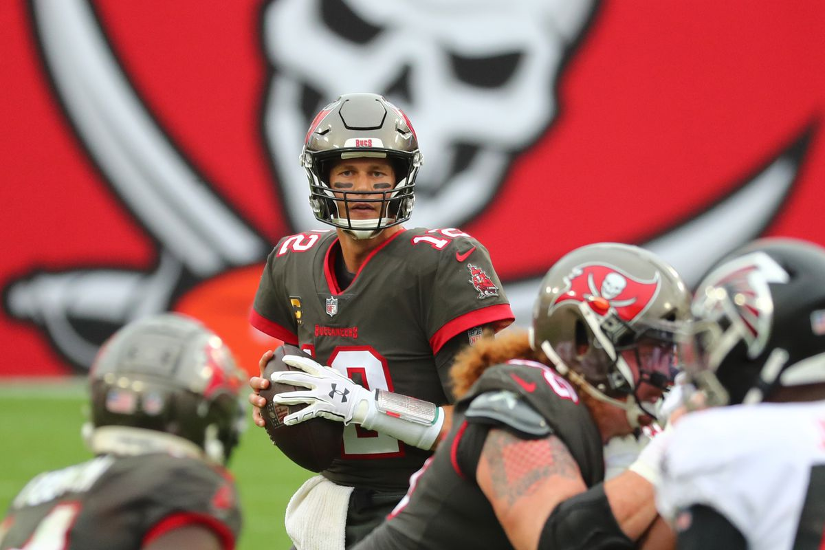 Tampa Bay Buccaneers quarterback Tom Brady (12) drops back against the Atlanta Falcons during the second half at Raymond James Stadium.