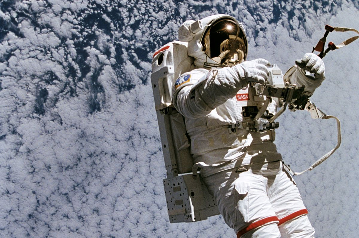 new astronaut in space - photo #43