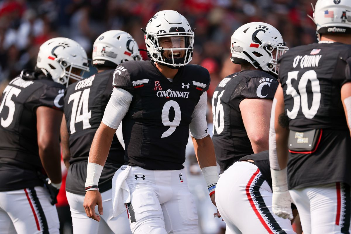 Desmond Ridder of the Cincinnati Bearcats calls out instructions in the first quarter against the Murray State Racers at Nippert Stadium on September 11, 2021 in Cincinnati, Ohio.
