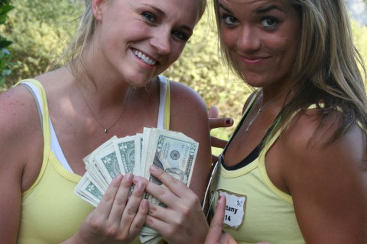 Former players Ashley Reavis and Brittany Castelamare show why we want you to play golf on April 22nd. Let's get Bulls Volleyball some cash.