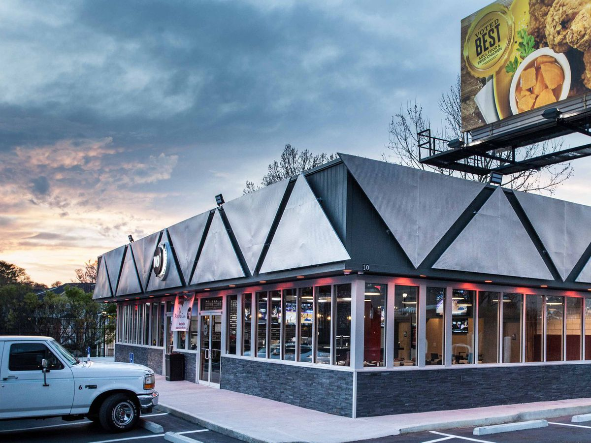The Best Sports Bars In Atlanta To Watch College Football