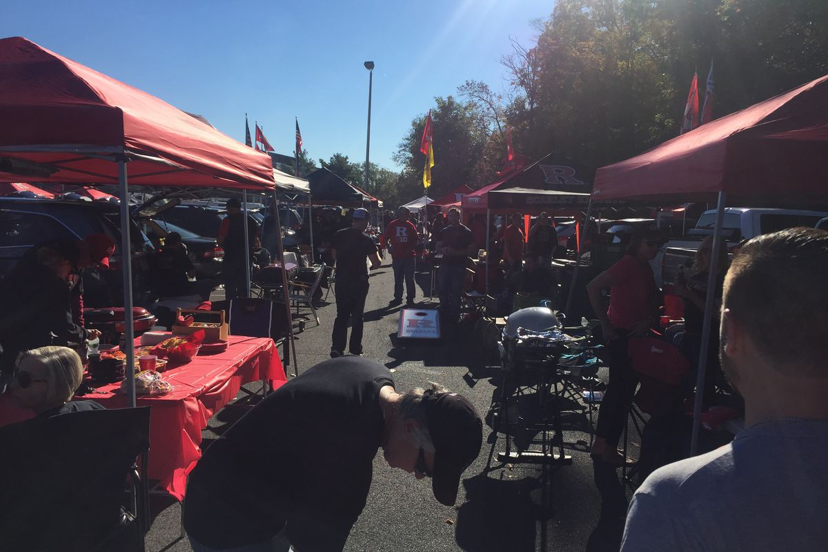 30 reasons for 30 days day 2 because of the tailgating on the banks october 2015 in the black lot arubaitofo Gallery