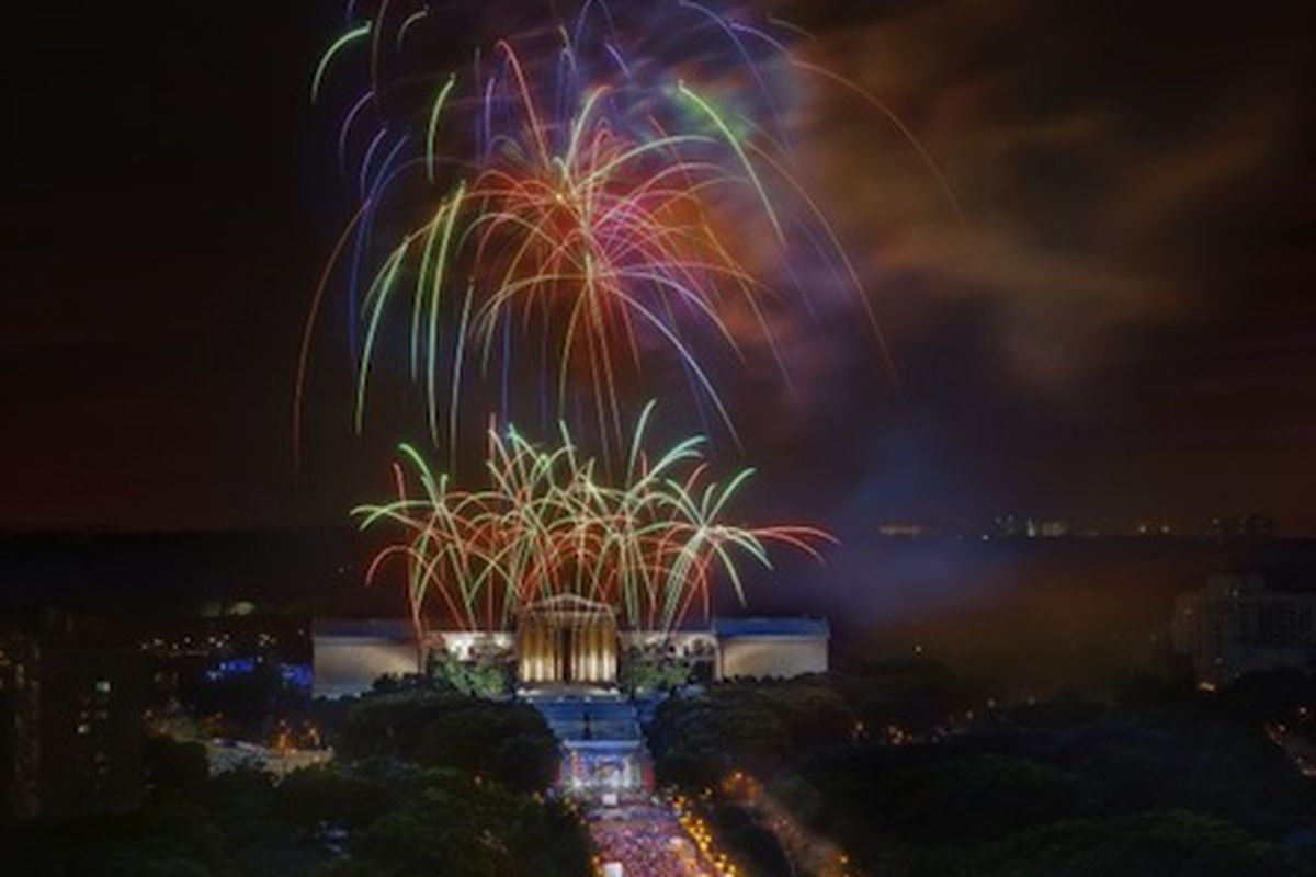 Fireworks blaze over the Philadelphia Museum of Art during the Wawa Welcome America! bash. Image credit:G. Widman for GPTMC