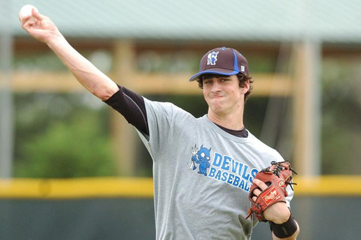 High school pitcher Taylo Guerrieri has agreed to sign with the Tampa Bay Rays, foregoing a commitment to South Carolina.