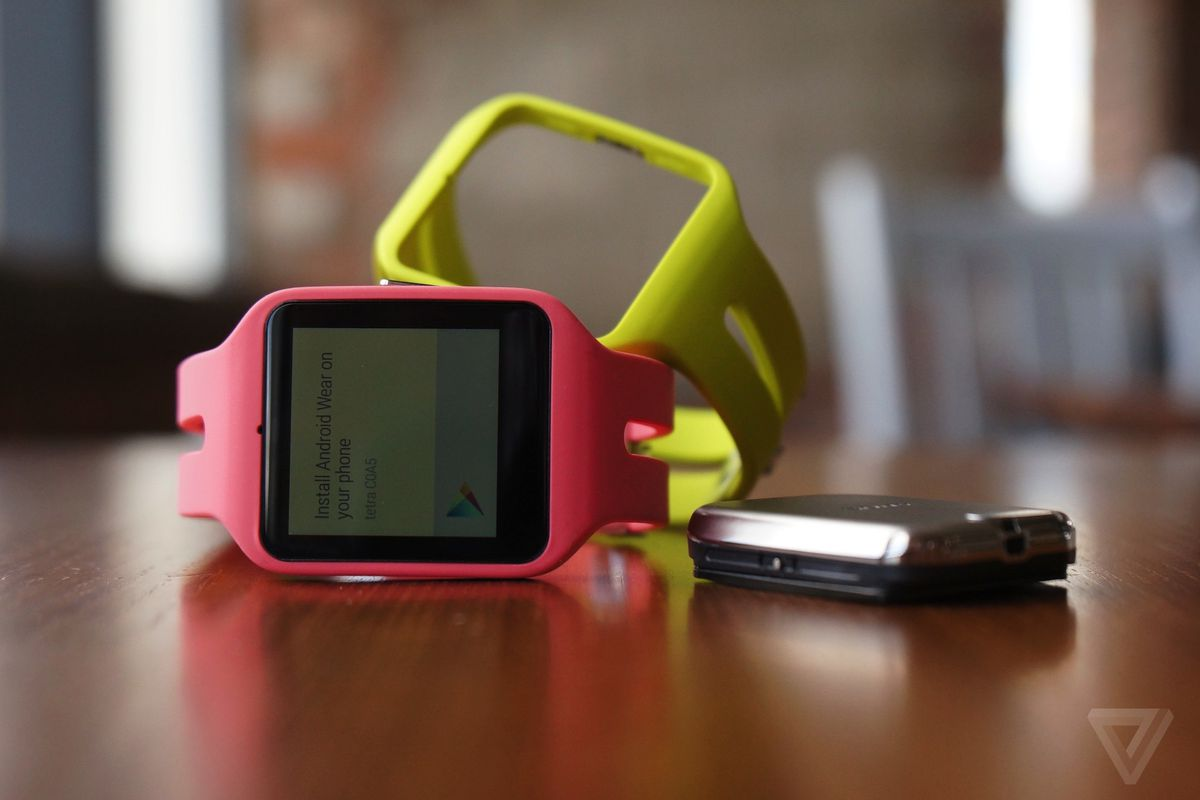 Sony's SmartWatch 3 lands on Google Play Store for $249