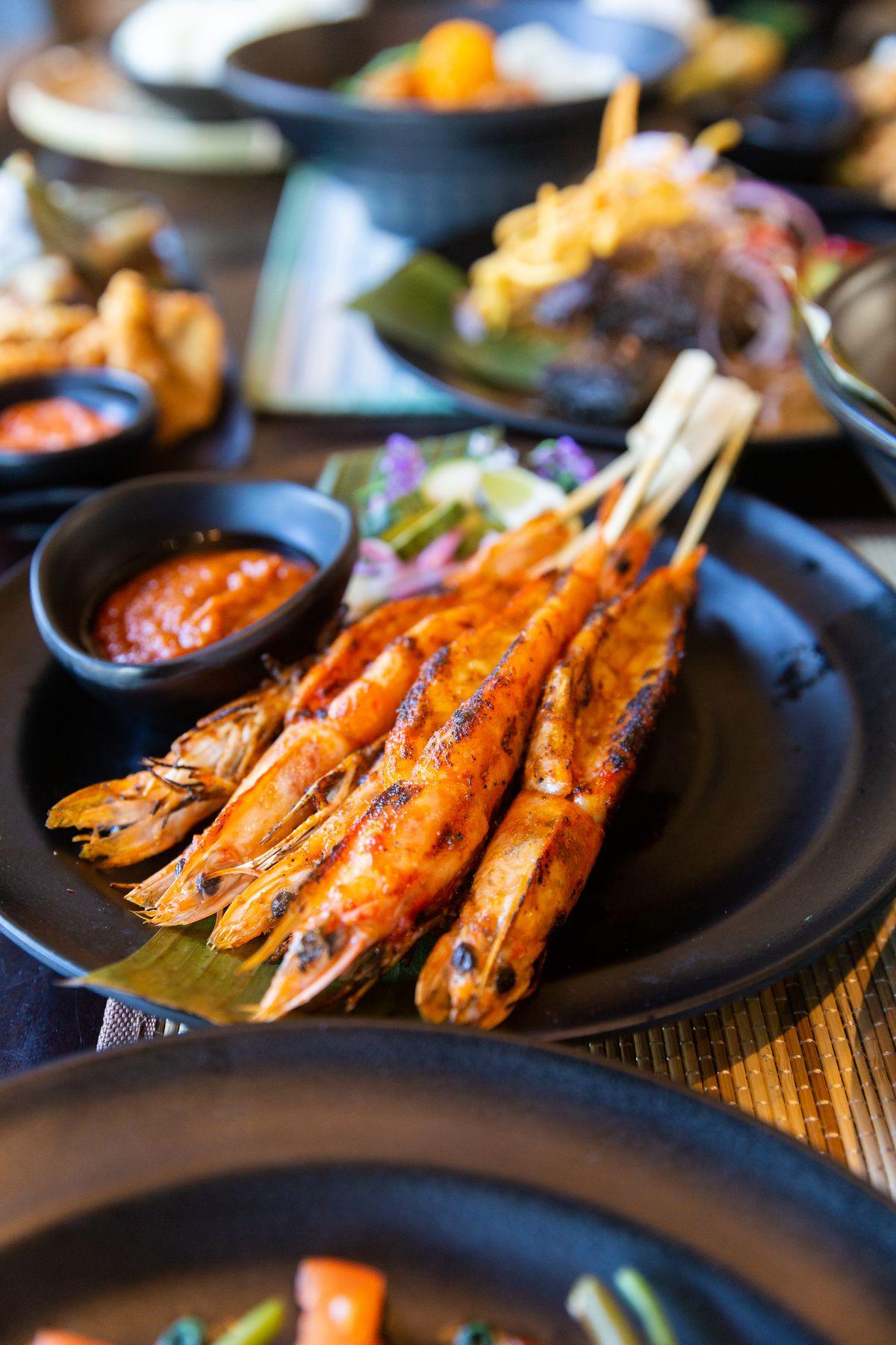 Head on gulf shrimp, garlic, soy, and chili