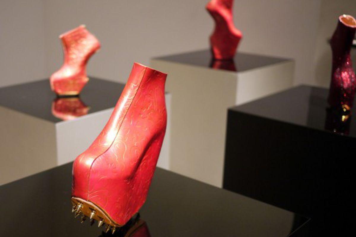 "Lady Gaga's shoe designer Noritaka Tatehana now makes <a href=""http://racked.com/archives/2010/12/13/noritaka-tatehana.php"">shoes with spikes</a>"