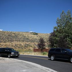Former President Bill Clinton's motorcade departs from the Glenwild community of Park City after a fundraiser for his wife, Democratic presidential nominee Hillary Clinton, on Thursday, Aug. 11, 2016.