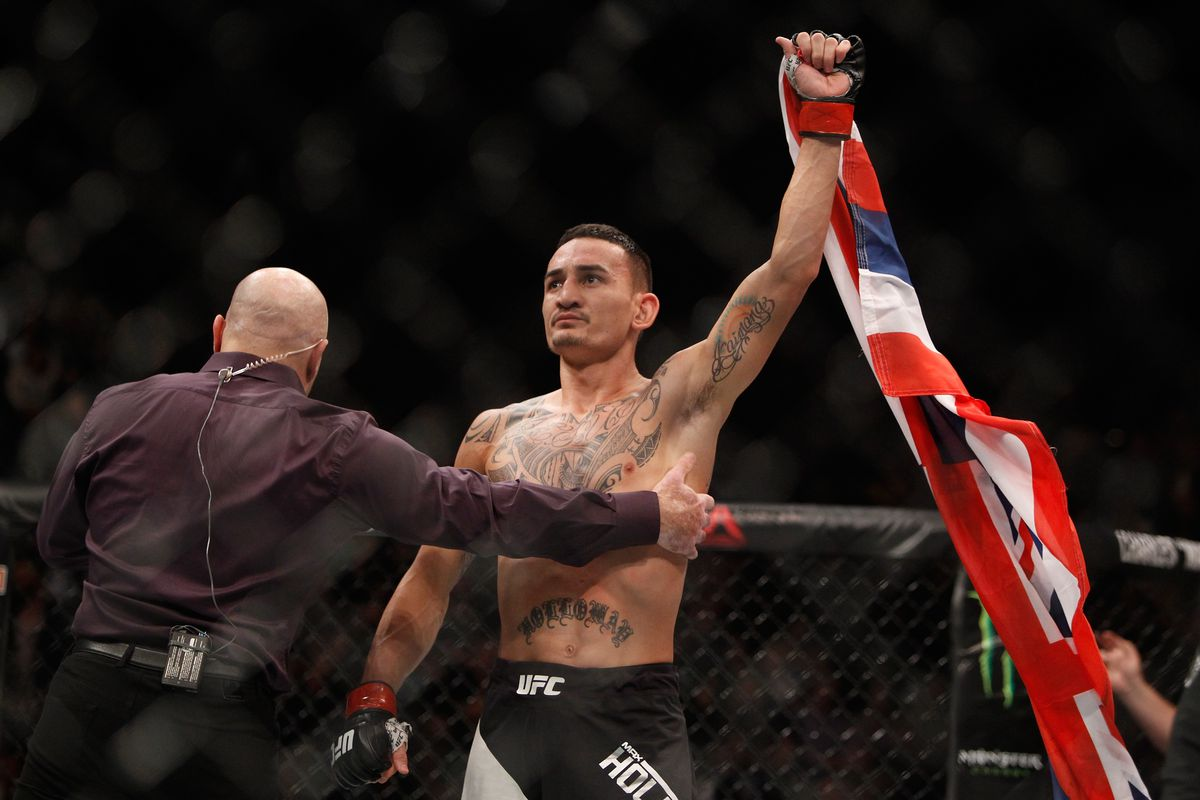 UFC 218 Results: Max Holloway Stops Jose Aldo Again in Slugfest