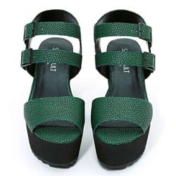 """<b>Shoe Cult</b> Marion Flatform in Green, <a href=""""http://wl.nastygal.com/product/shoe-cult-marion-flatform/_/searchString/green"""">$65</a> at Nasty Gal"""