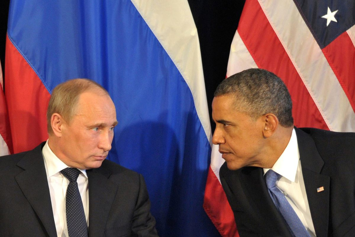 Presidents Obama and Putin meet in the 2012 G20 summit in Mexico