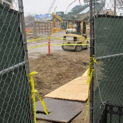 With more work being done along the curb on Sheffield Ave, some of the fences had to be moved. That work created this gap, which I used to take photos