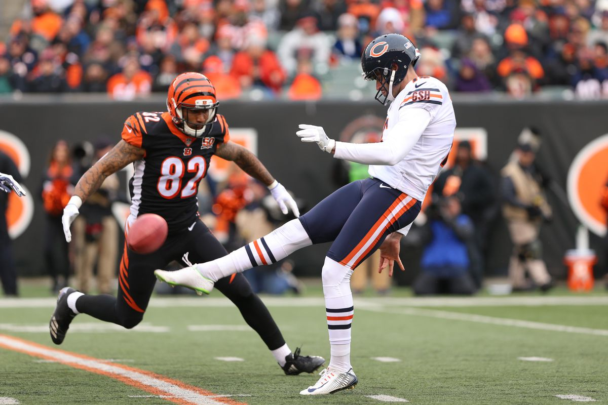 Chicago Bears punter Pat O Donnell (16) punts the ball during the game  against the Chicago Bears and the Cincinnati Bengals on December 10th 0fba1e2cb