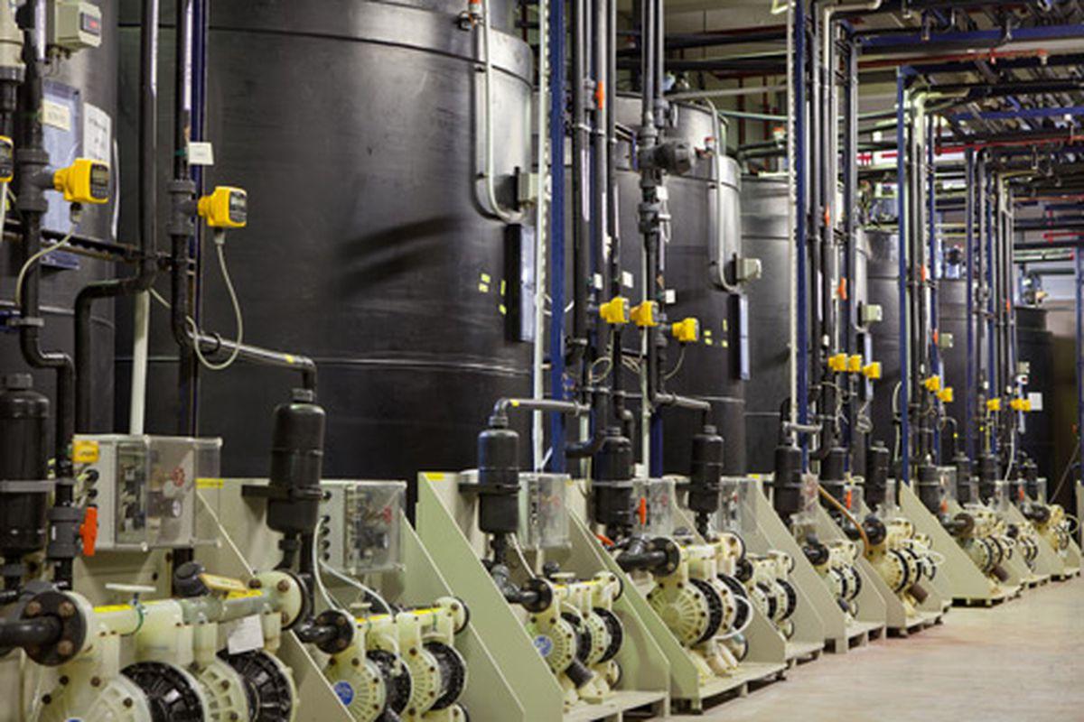 apple production facility 640