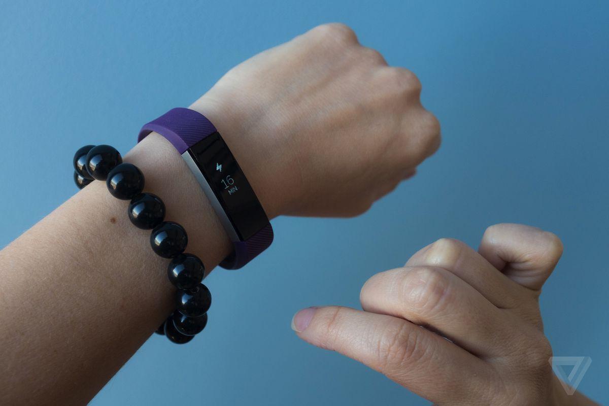 Fitbit-alta-activity-tracker