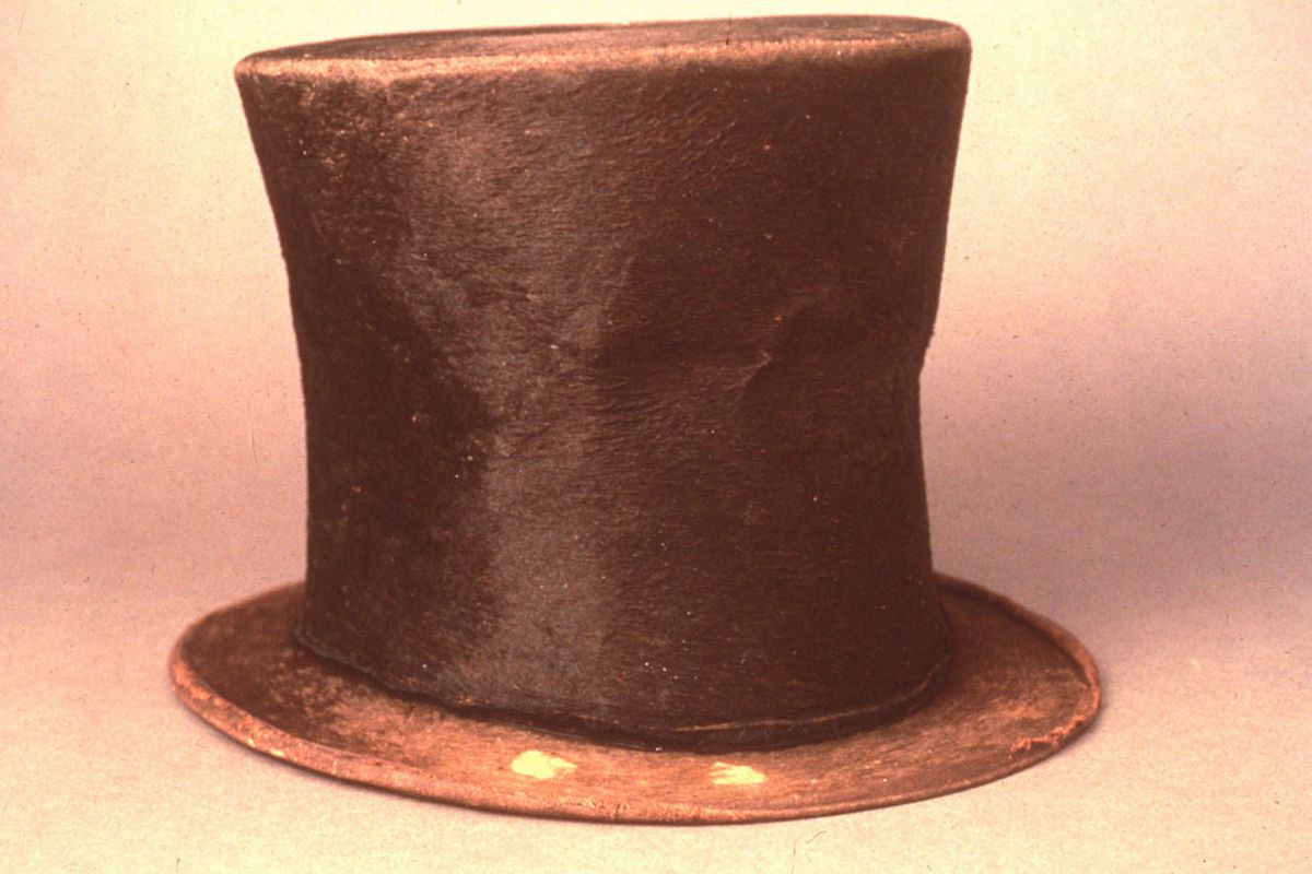 The question of which political party in Illinois controls the legislative remapping process could come down to picking a name out of a replica of Abe Lincoln's stovepipe hat.