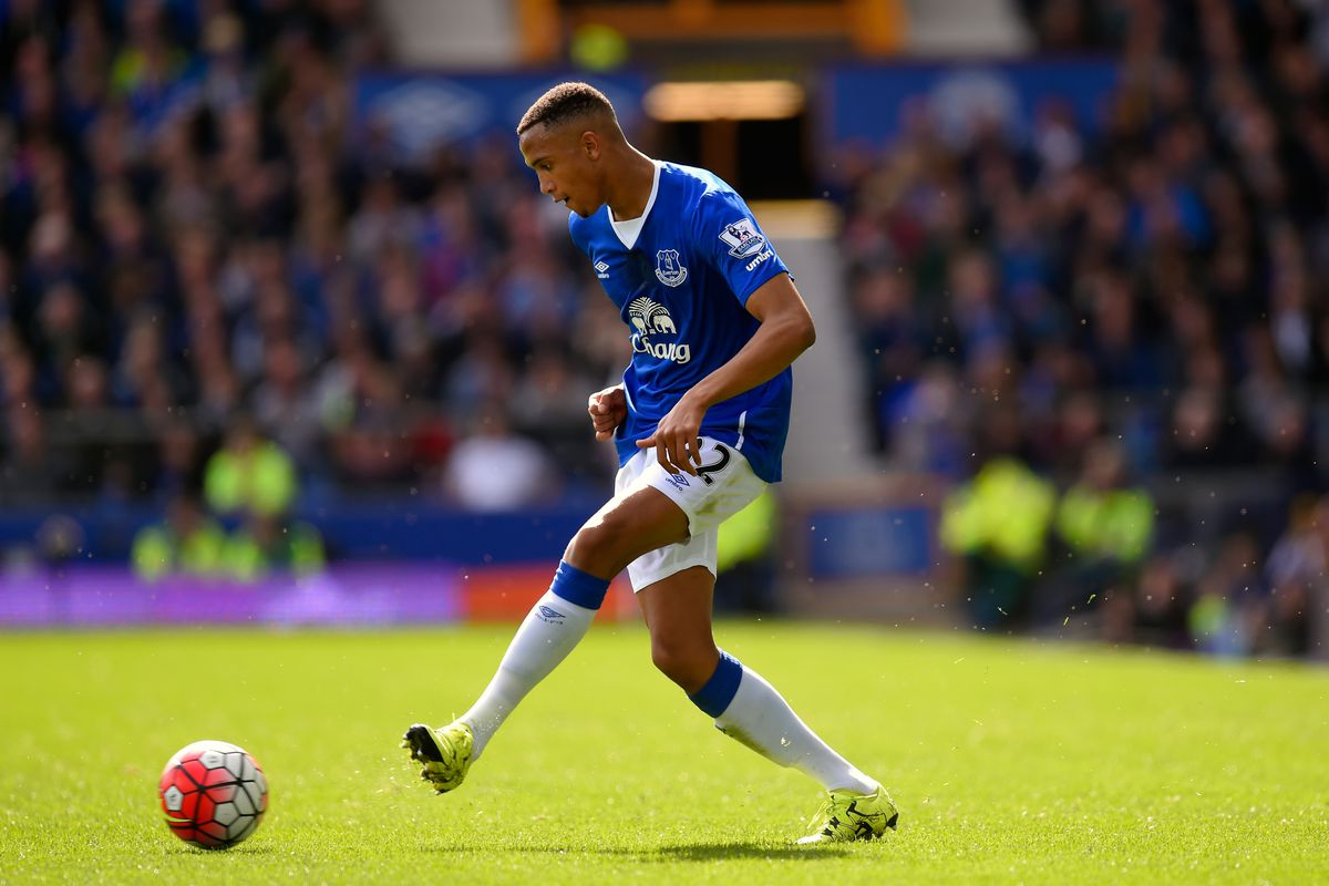 Brendan Galloway makes a pass during Everton's match against Chelsea.