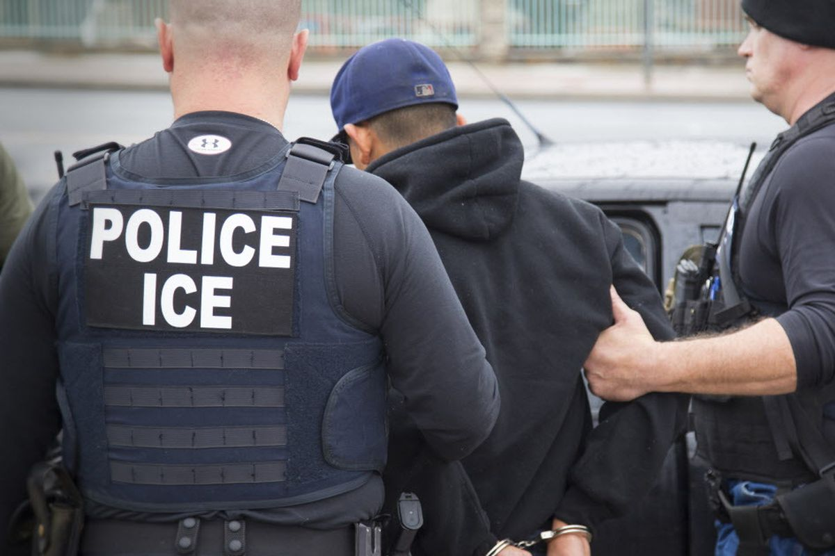 """An agreement between the Chicago Police Department and federal immigration authorities draw questions about the city's """"sanctuary status."""""""