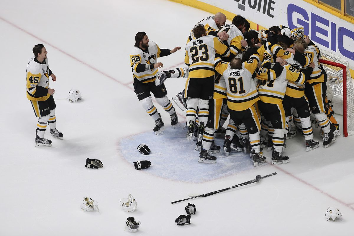 Sidney Crosby fans celebrate Cup win with pilgrimage to famous dryer