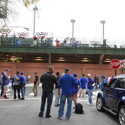 5:40 p.m. Ballhawks, and visitors, hanging out at Waveland and Kenmore -