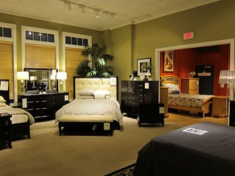 Warren Buffett Owns A 250 000 Square Foot Furniture Store In Boston