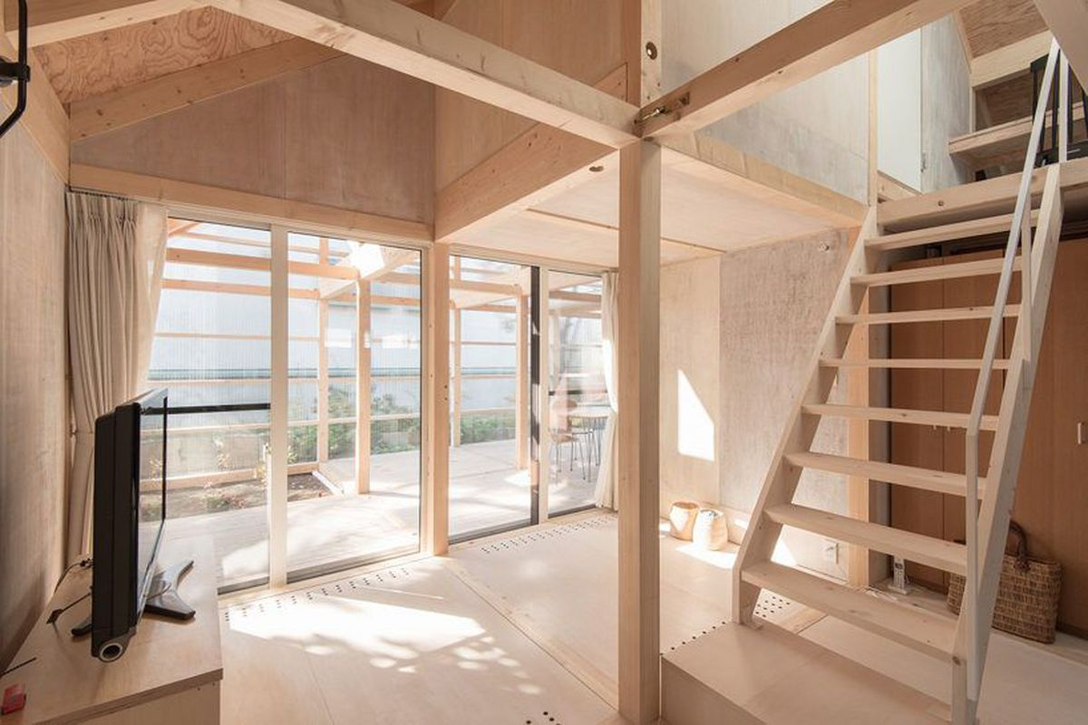 A stripped-down home in Japan.