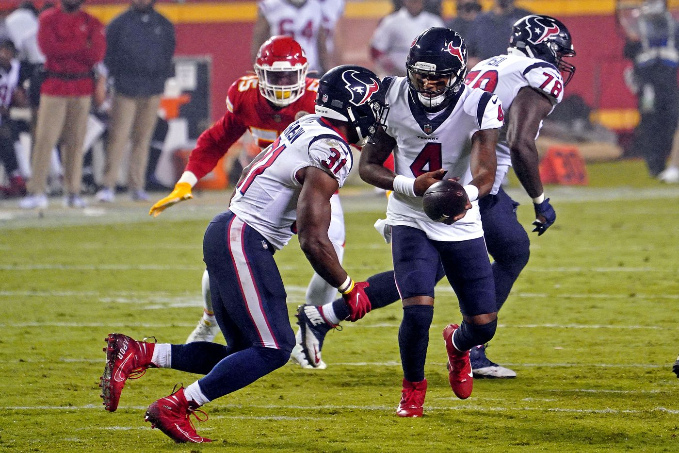 David Johnson Injury Texans Running Back Looked At But Returns In Third Quarter Of Week 1 Contest Draftkings Nation