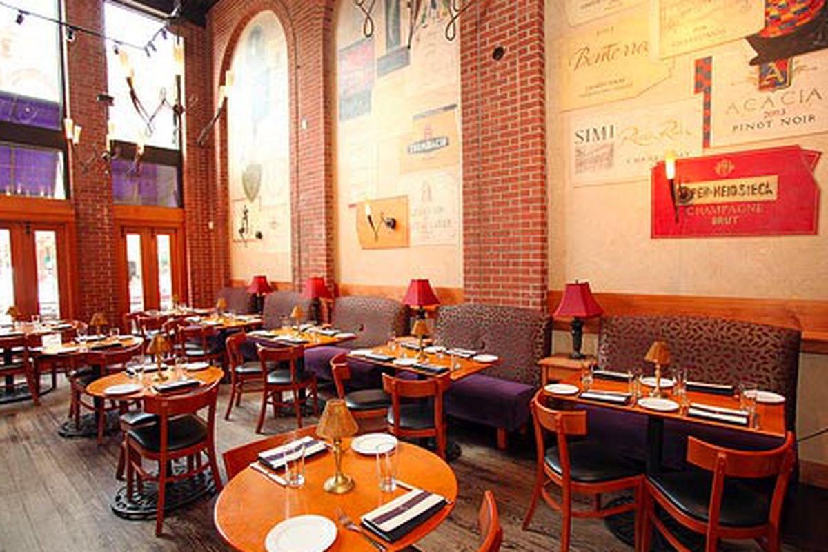 Crú Food & Wine Bar