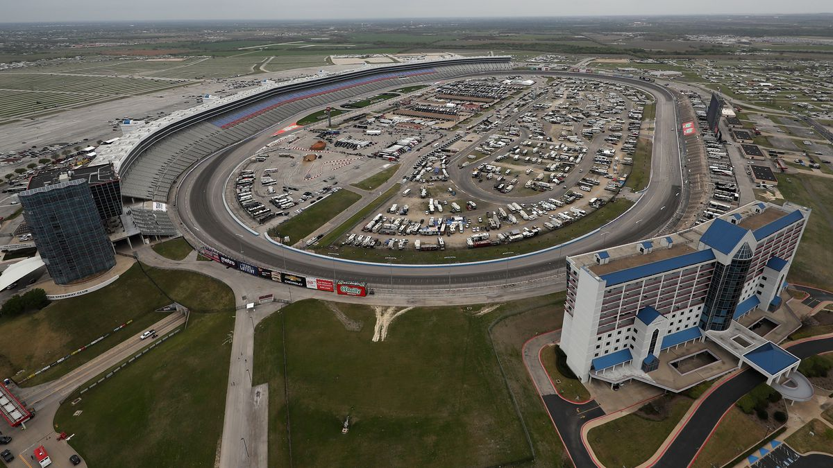 Monster Energy NASCAR Cup Series O'Reilly Auto Parts 500 - Practice