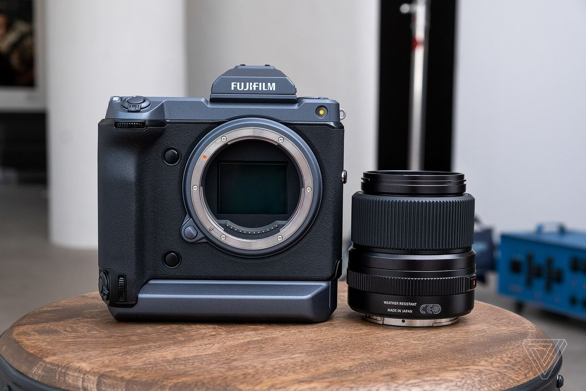 Fujifilm's GFX 100 is a medium format camera that performs