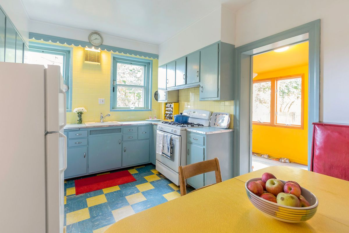 Colorful West Mt. Airy home is a delight, asks $365K - Curbed Philly