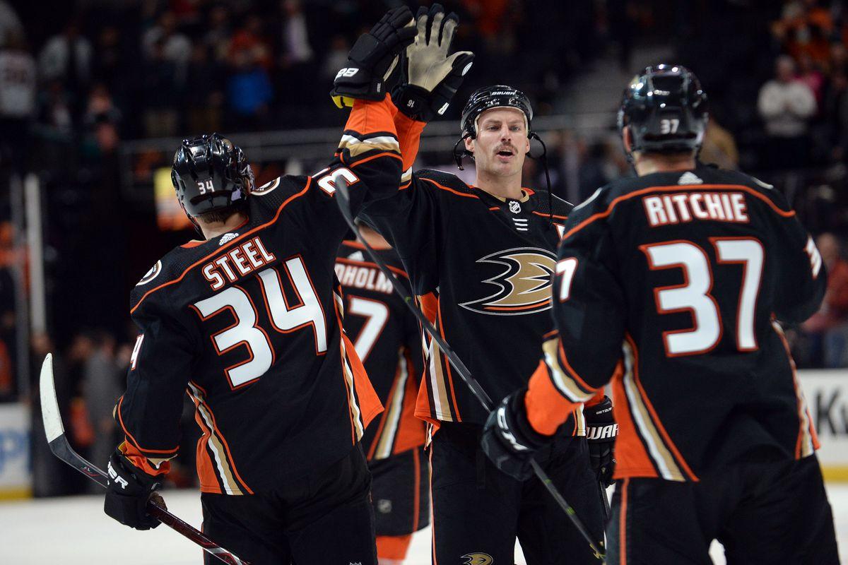 NHL: New York Islanders at Anaheim Ducks