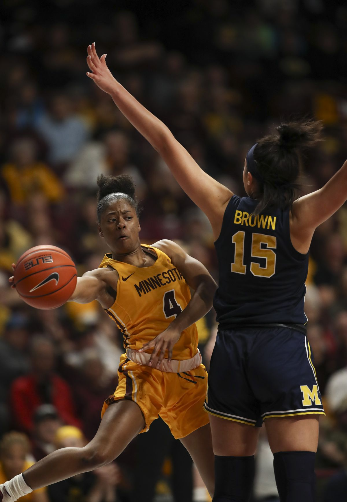 Minnesota Gophers lose to the Michigan Wolverines at home.
