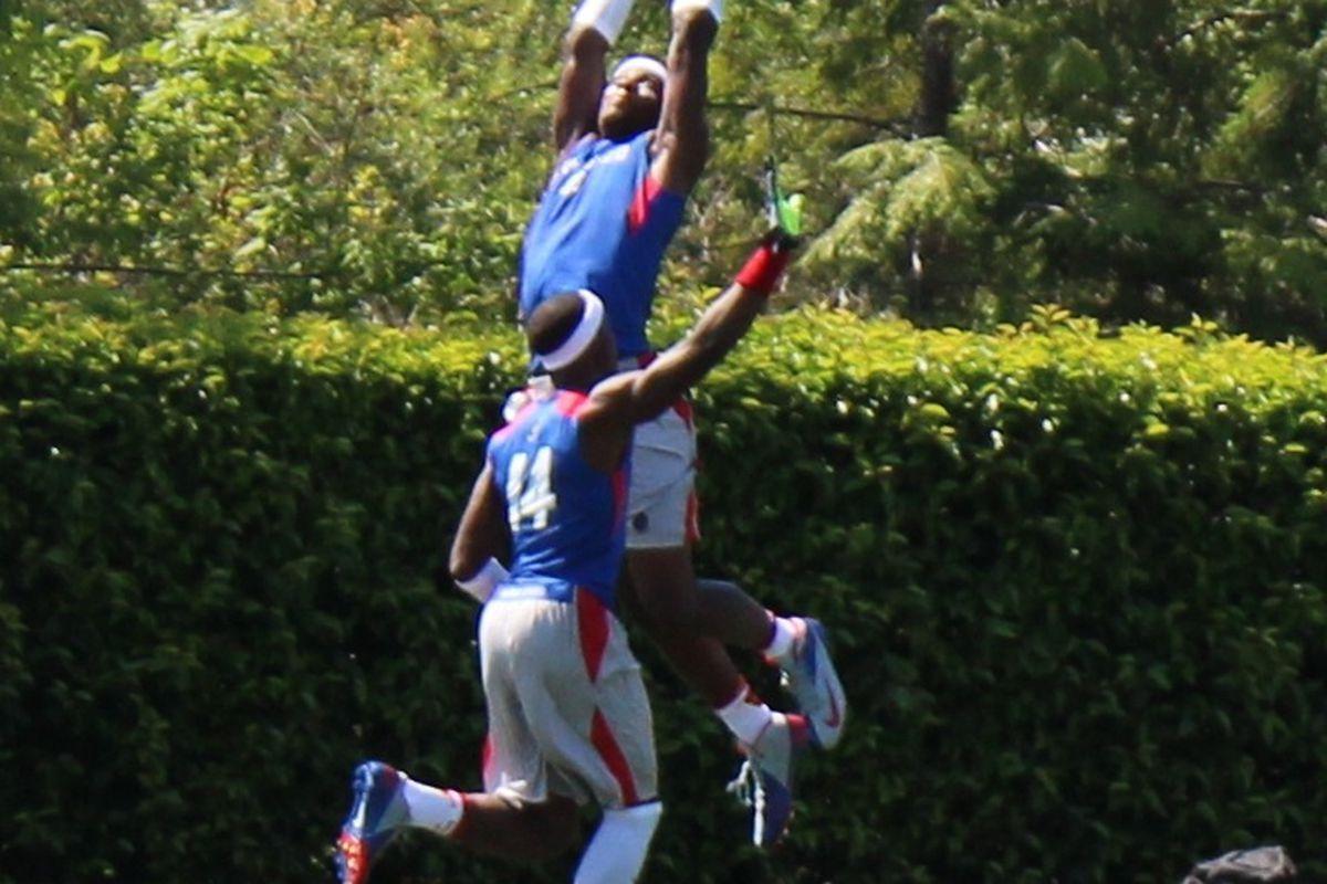 Ricky Seals-Jones elevates for a catch Saturday (Photo by Bud Elliott).