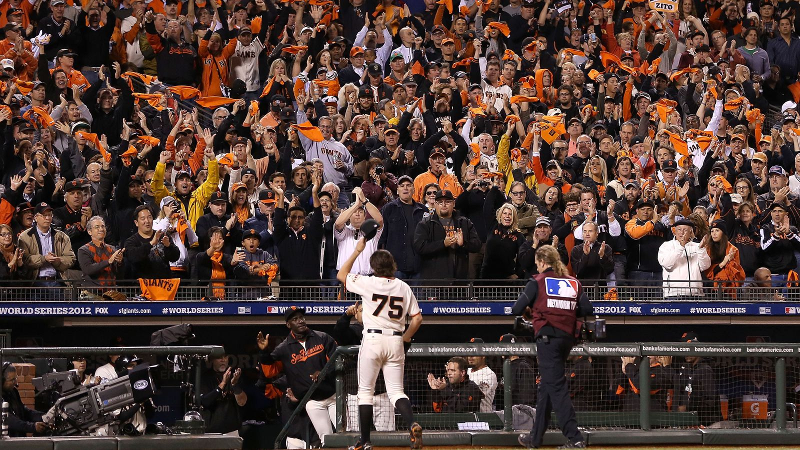 Barry Zito officially announces retirement
