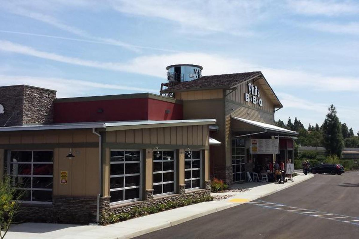 Phil 39 S Bbq Fires Up The Grill In Rancho Bernardo Eater